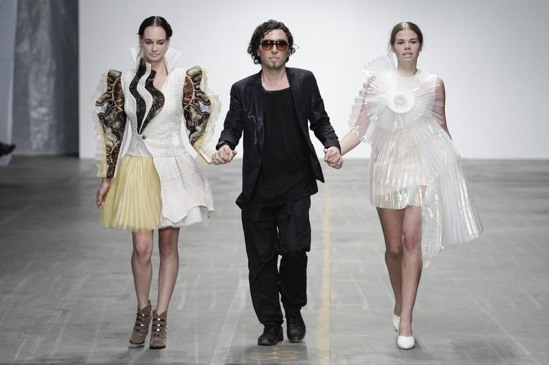 Modacı Emre Tamer Londra Moda Haftasında yeni tasarımlarını sergileyecek