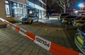 Almanya'da polise bıçakla saldırmaya çalıştığı açıklanan Türk öldürüldü