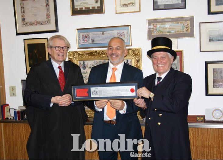 Kıbrıslı Türk işadamı Enver Kannur'a Londra'da prestijli ödül