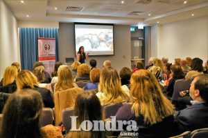 Dilek Öğretmen'e Londra'dan tam destek