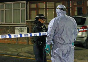 Ilford'da kanlı gece: 3 kişi öldü 2 kişi tutuklandı