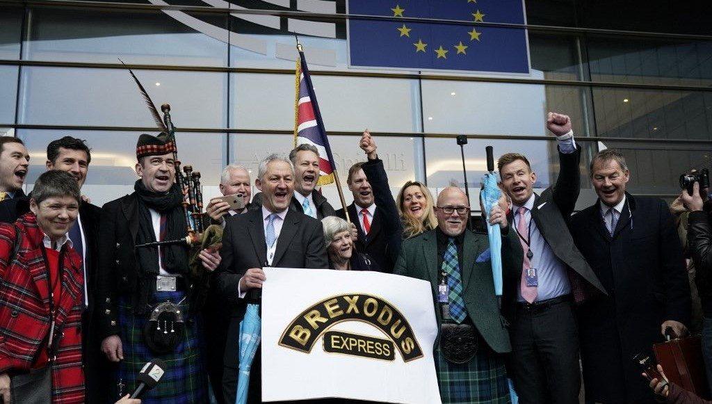 İngiliz milletvekilleri AP'den ayrılıyor