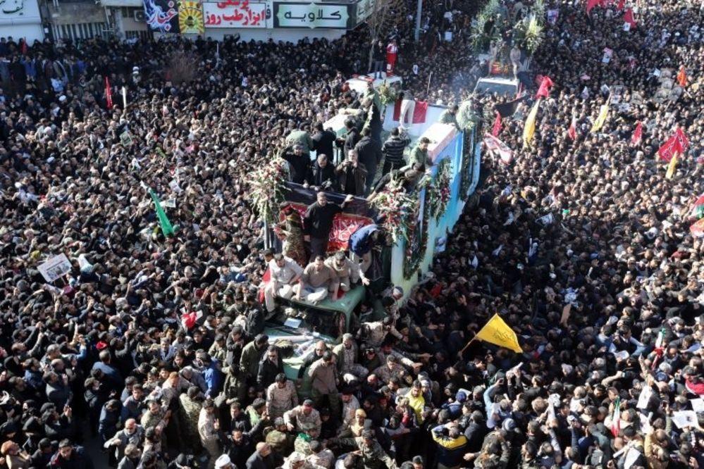 Kasım Süleymani'nin cenaze töreninde yaşanan izdihamda ölü sayısı 50'ye çıktı