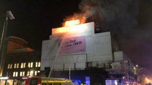 Londra'da tarihi konser binası KOKO'da yangın