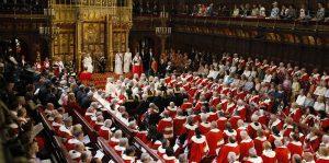 """İngiliz hükümeti """"Lordları"""" Londra dışına taşıyacak"""