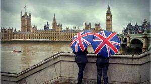 İngiltere bu gece AB'den ayrıldığında değişecek ve değişmeyecek yedi şey