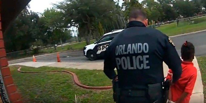 ABD'de 6 yaşındaki kız çocuğu kelepçe takılarak gözaltına alındı