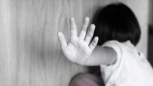 İngiltere'de beş yetişkinden biri çocukken istismara uğramış