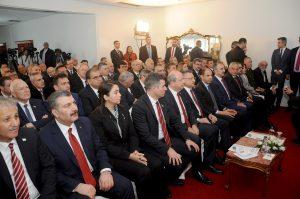 """""""Hukuki, Siyasi ve Ekonomik Yönleri ile Kapalı Maraş Açılımı"""" başlıklı yuvarlak masa toplantısı yapıldı"""