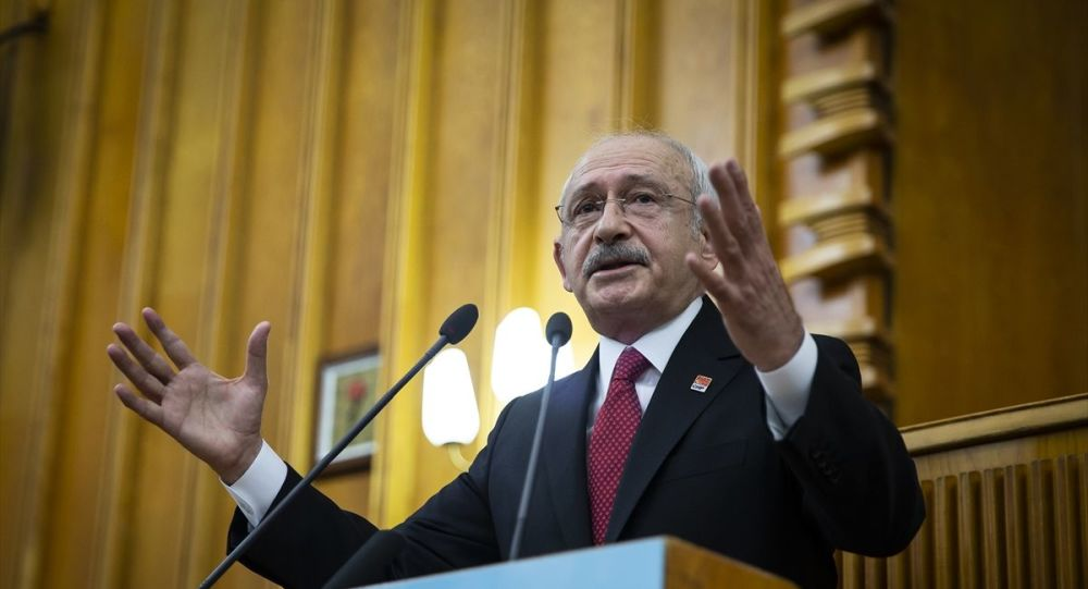 """""""Devleti FETÖ'ye teslim eden kişinin adı Recep Tayyip Erdoğan'dır"""""""