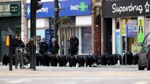 Londra'da terör saldırısı korkusu ve paniği sürüyor