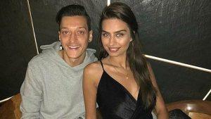 Mesut Özil ve Amine Gülşe Özil'in bebeklerinin cinsiyeti belli oldu