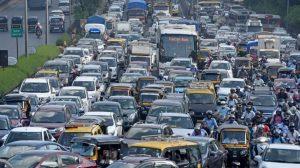 Hindistan'daki yeni trafik lambaları korna çalındıkça yeşil yanmayacak