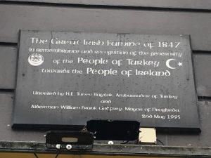 İrlandalılar atalarının kaderini değiştiren Osmanlı Sultanını unutmadı