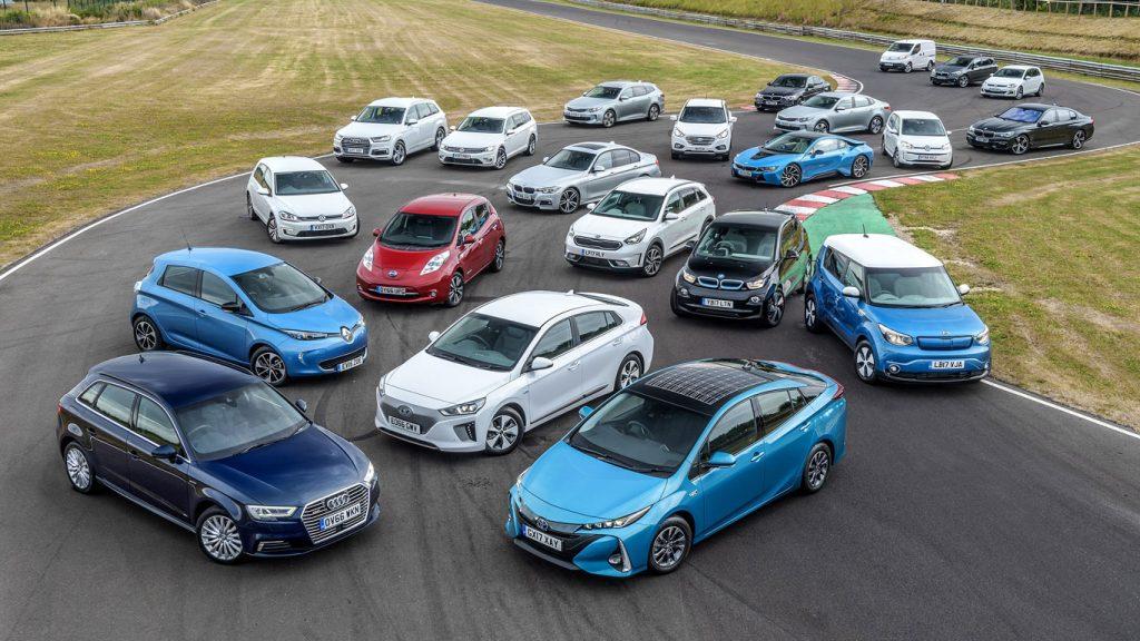 Benzin ve dizel yakıt kullanan araçların son satış tarihi 2032'ye çekildi