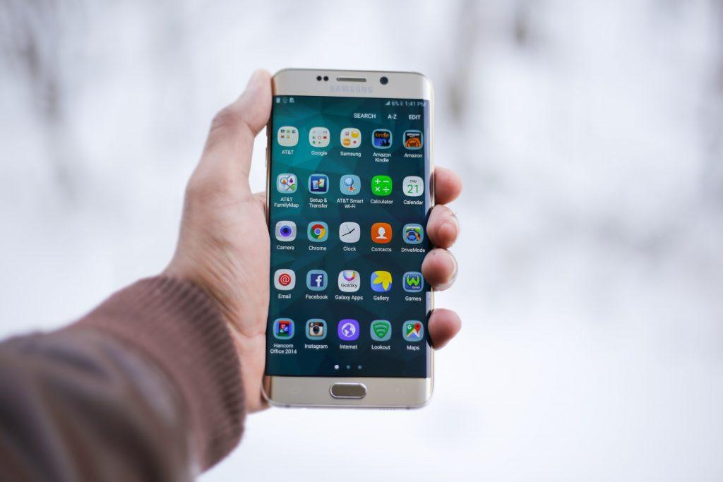 Samsung, Galaxy kullanıcılarına yolladığı gizemli '1' mesajı için özür diledi