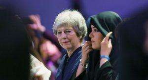 Theresa May'den kadınlara tavsiye