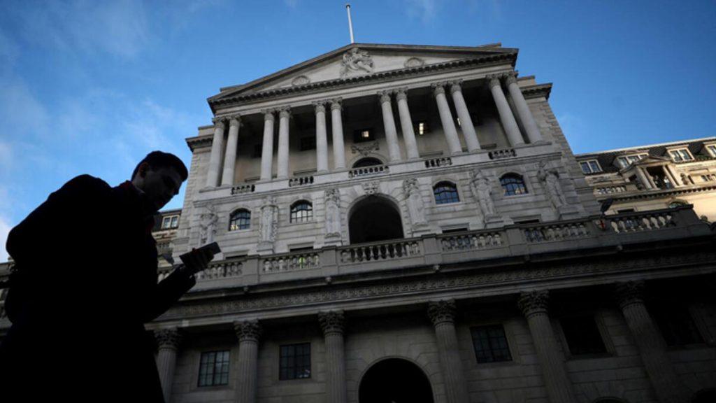 İngiltere Merkez Bankası koronavirüs sebebiyle politika faizini 50 baz puan indirdi