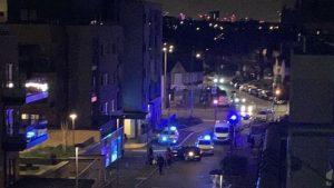 Walthamstow'da kanlı gece: 4 genç bıçaklandı, 7 kişi tutuklandı