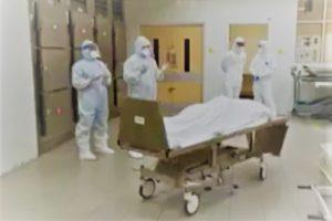 İngiltere'de Koronavirüsten ölen iki Müslüman doktor için hastanede cenaze namazı