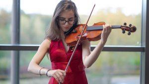 Genç yetenek Elfida'ya Londra Kraliyet Müzik Akademisi'nden kabul