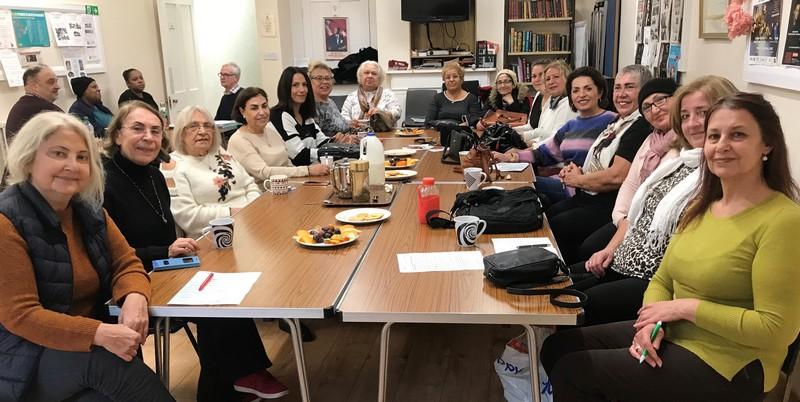 Hackney'de yaşayan toplum üyelerimiz için mutlu yaşam projesi sürüyor