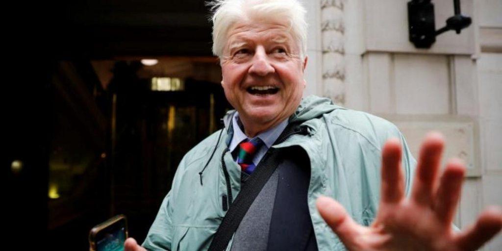 İngiltere Başbakanı Boris Johnson'ın babası, Brexit nedeniyle Fransız pasaportuna başvurdu