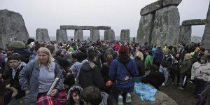 İngiltere'de ülkenin en önemli anıtlarından Stonehenge'in altından tünel geçecek
