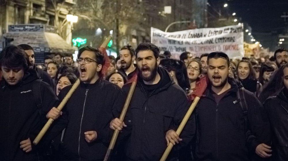Atina ve Selanik'te mültecilere destek gösterileri