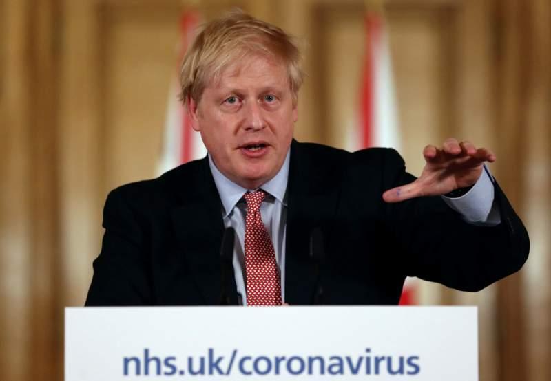 İngiltere hükümeti önlemler konusunda bilim insanlarını ne kadar dinliyor?