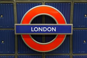 TfL closes 40 stations as night tube set to end