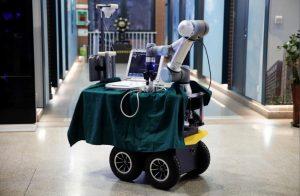 Koronavirüs tedavisinde doktorlara destek olanrobot
