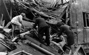 Londra'daki Covid-19 ölüm oranı İkinci Dünya Savaşı 'The Blitz' döneminin dört haftasındaki sivil kayıp oranını geçiyor