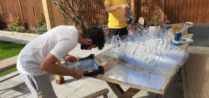 Kıbrıslı toplum üyelerimiz 3D yazıcı kullanarak sağlık çalışanları için ücretsiz maske üretiyor