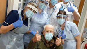 İngiltere'de 101 yaşındaki adam koronavirüsü yendi