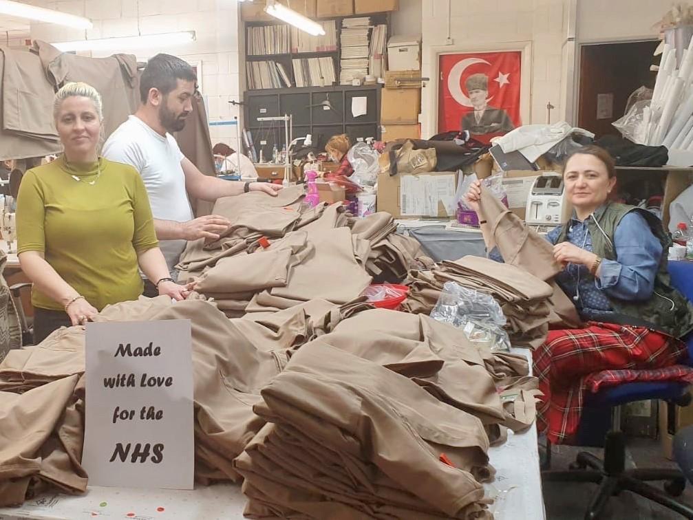 Hastane önlüğü krizine Türk işadamından büyük destek
