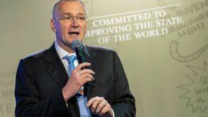 """AB'yi """"hayal kırıklığı"""" olarak nitelendiren Avrupa Araştırma Merkezi Başkanı istifa etti"""