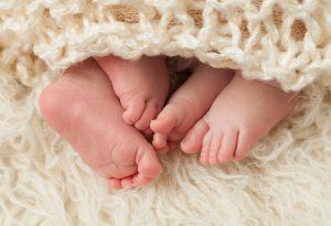 Hindistan'da yeni doğan ikiz bebeklere 'Kovid' ve 'Korona' ismi koydular