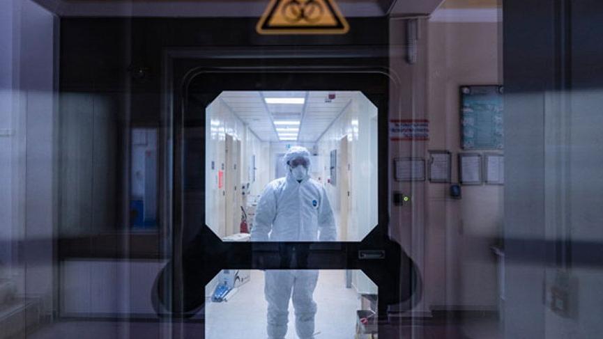Çin'in ürettiği Korona aşısı 84 yaşındaki bir kişide denendi