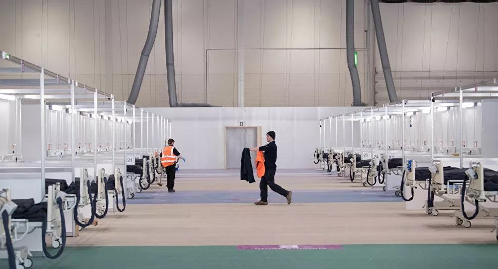 Londra'daki fuar merkezi 9 günde sahra hastanesine dönüştürülerek 4 bin hastaya açıldı