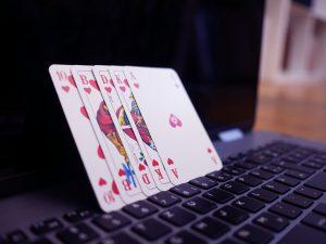 Gambling firms to stop advertising during lockdown