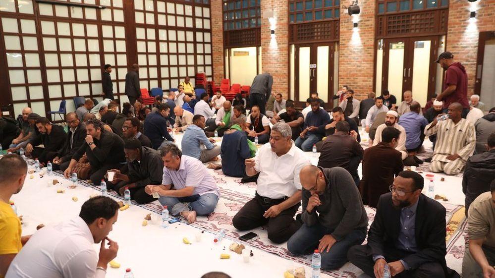 Ramazan ayı İngiltere'deki Müslümanlar için 'mesafeli' geçecek