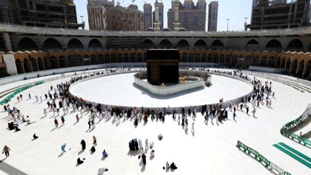 Suudi Arabistan'dan Müslümanlara hac çağrısı: Planlarınızı erteleyin