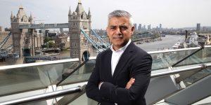 """Sadiq  Khan: """"Londra muhtemelen 3. kademeye geçecek"""""""