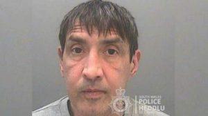 Koronavirüslü olduğunu söyleyerek polise tüküren adama 26 hafta hapis cezası verildi
