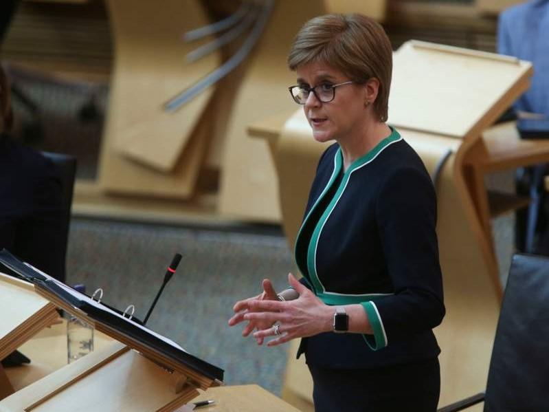 İskoçya özerk yönetimi Başbakanı Sturgeon: Kısıtlamalara uymaya devam edin