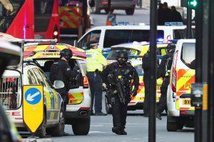 İngiltere'de terör şüphelileri süre sınırlaması olmadan kısıtlamalara tabi tutulacak