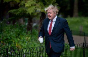 İngiltere'nin koronavirüs krizini ele alışı dünya basınında da eleştiriliyor