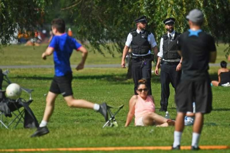 Polis işini yapamıyor: Kuralları çiğneyenler Başbakan Başdanışmanı Cummings'i örnek gösteriyor