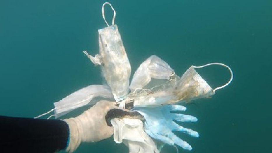 Koronavirüsün kirlilik mirası: Atık eldivenler ve maskeler